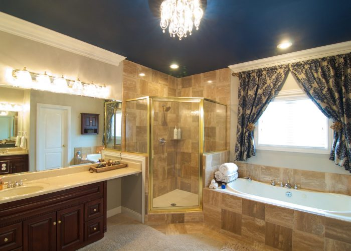 Southern Grace Suite Bathroom